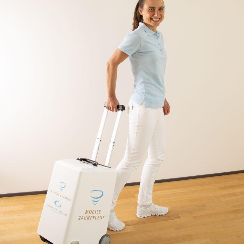 mobile-Zahnheilkunde-unterwegs-praxis-dr-wytek-und-partner